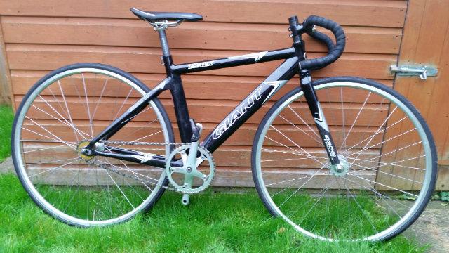 Giant track bike
