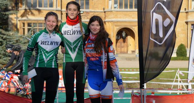 under-16-girls-podium-lauren-higham-and-naomi-holt2