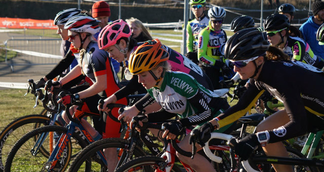 thumbnail_eastern-and-south-eastern-cx-champs-041216-ladies-start