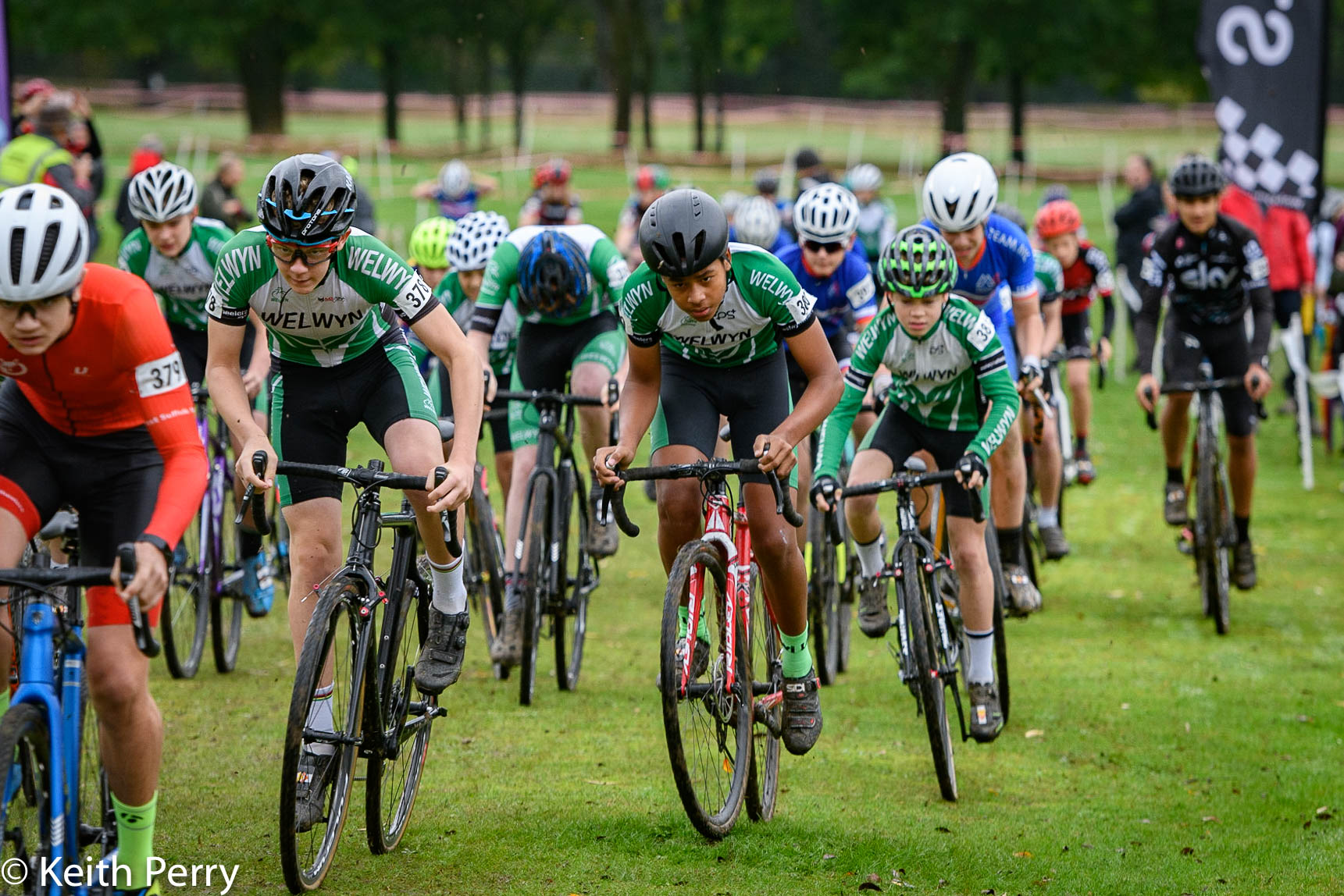 Youth B start – photos with thanks to Keith Perry